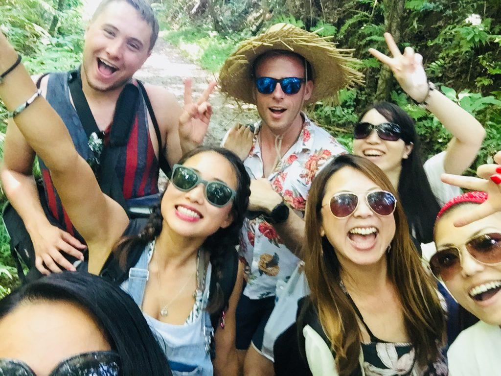 みんなで一緒だと楽しいね。It's fun together!